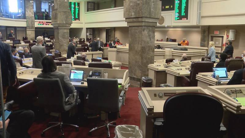 The Alabama House passed a bill aimed at recruiting businesses to Alabama.
