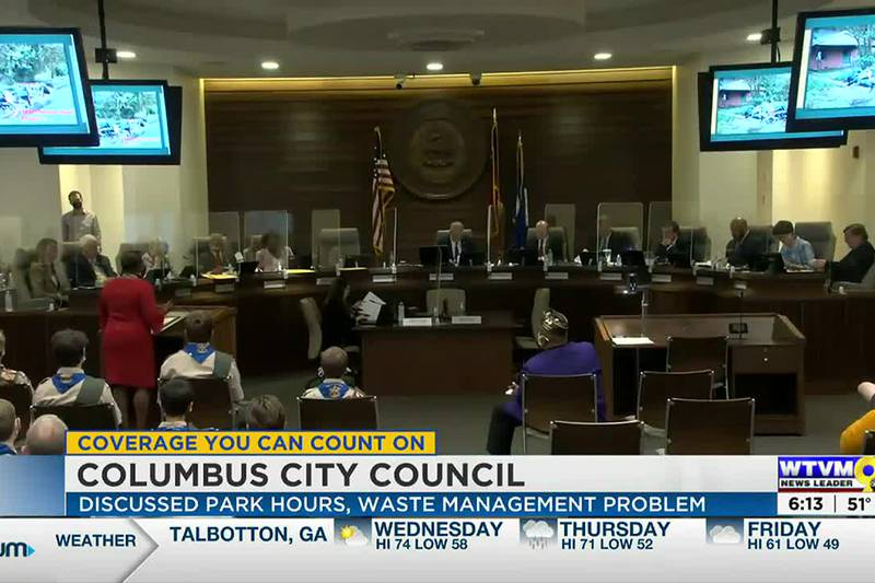 Columbus City Council discusses park hours, waste pickup issues