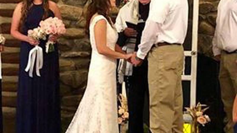 Phenix City billboard couple gets married