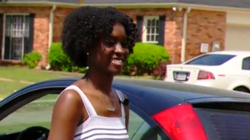 Hardaway High School's valedictorian surprised and honored with a parade