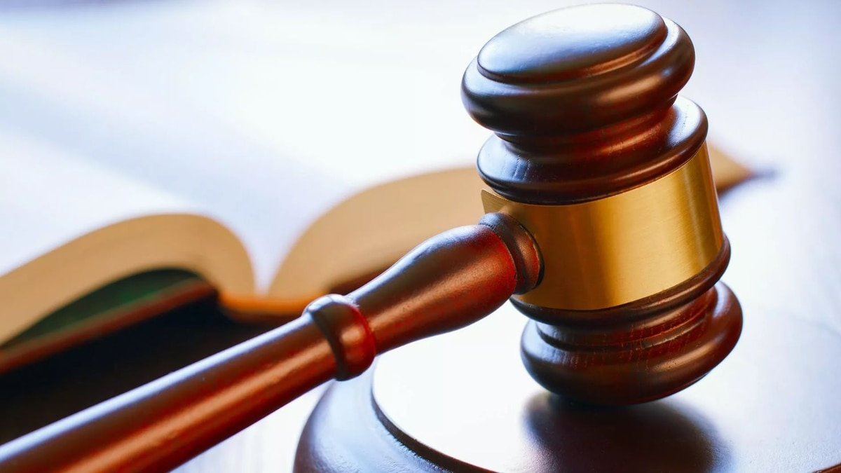 A federal judge temporarily blocked the state of New York on Tuesday from forcing medical...