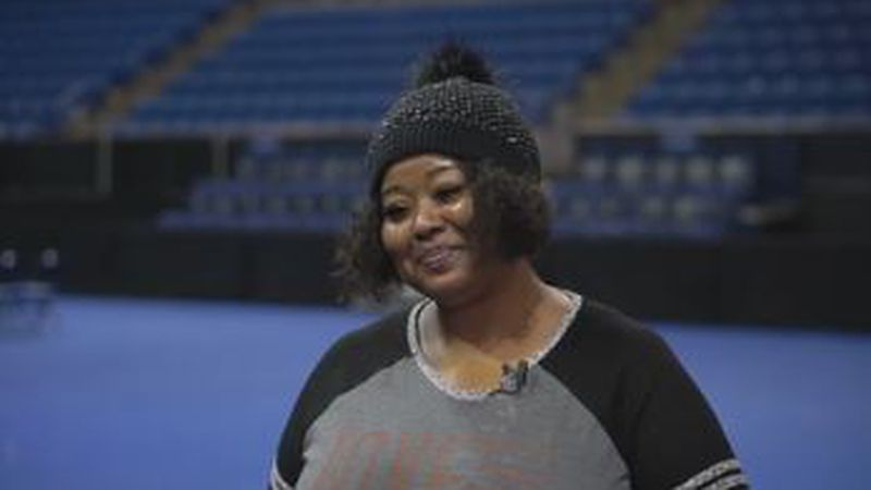 Columbus woman sings for Tyler Perry at Madea Farewell Play