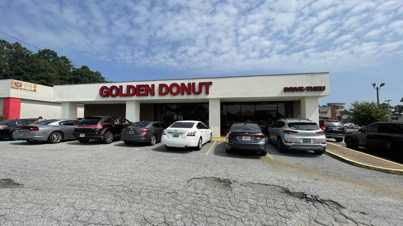 Local donut shop reopens in Columbus after remodel
