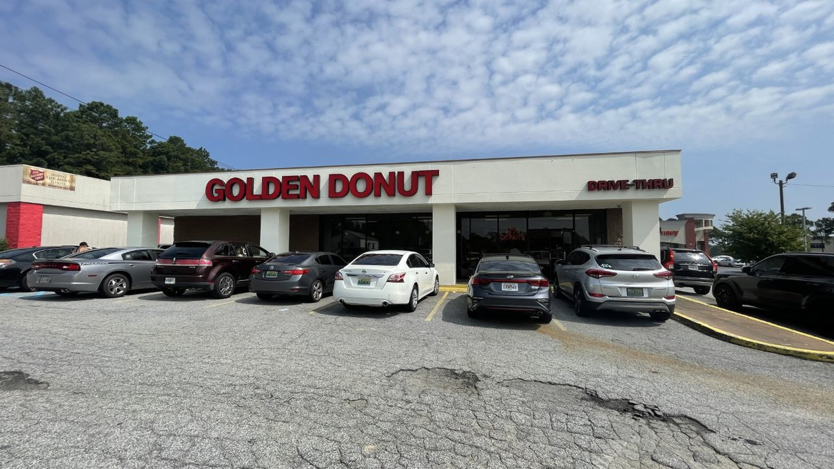 A local donut shop is honoring all first responders and military personnel on Saturday,...