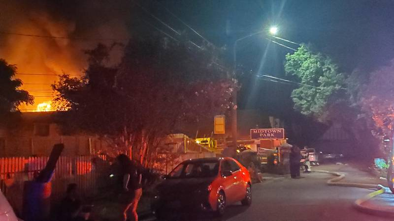 Columbus firefighters battling fire at apartment complex on 12th St.
